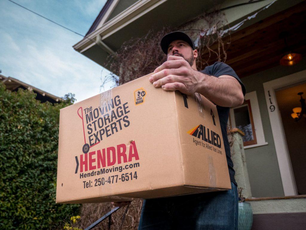 Hendra Moving loading
