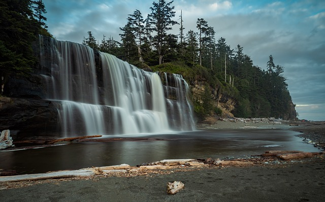 Top 5 Reasons To Move To Vancouver Island Tsusiat Falls